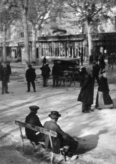 Martin Munkacsi (Hungarian/American, 1896-1963)  Paris, early 1920s