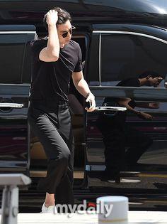@Incheon International Airport May12, 2016 Korean Star, Korean Men, Korean Actors, Drama Korea, Korean Drama, Oppa Ya, Goblin Gong Yoo, Yoon Eun Hye, Yoo Gong