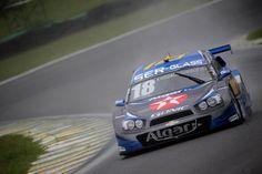 Chuva atrapalha primeiro dia de atividades da inédita corrida de duplas da Stock Car em Interlagos.