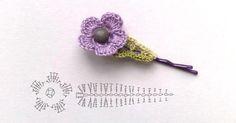 simple hair accessory/lots of flower patterns Crochet Leaves, Crochet Motifs, Knitted Flowers, Crochet Flower Patterns, Crochet Chart, Crochet Designs, Crochet Diy, Love Crochet, Crochet Gifts
