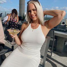 @alanashelise Florida Style, Florida Girl, Florida Living, Girl Style, Fashion Bloggers, Orlando, Girl Fashion, White Dress, Glamour