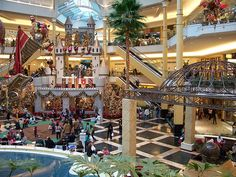 Somerset Collection - Christmas Shopping in Troy, Michigan by Wigwam Jones, via Flickr