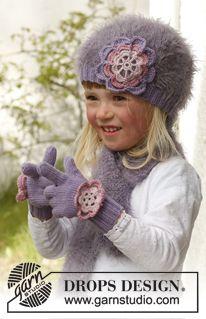 """Stickade DROPS vantar i """"Baby Merino"""" med virkad blomma i """"Baby Merino"""" och """"Glitter"""". Stl 3 till 12 år ~ DROPS Design"""