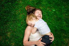 Nossa vida é um caos, precisamos cuidar de tudo: casa, trabalho, filhos, marido ou companheiro, do corpo e beleza... Já é um milagre quando conseguimos 10 minutos só para sentar, imagina jogar tempo fora...    Porém, existe algo que nãoperdemos de vista: nossos filhos têm o tempo