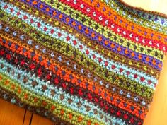 Color Inspiration :: Multicolored tapestry crochet bag