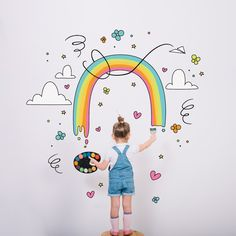 Artistic little girl painting a wonderful rainbow Free Vector Creative Photography, Children Photography, Schrift Design, Paint Vector, Kawaii Doodles, Doodle Inspiration, Draw On Photos, Painting Of Girl, Graphic Design Templates