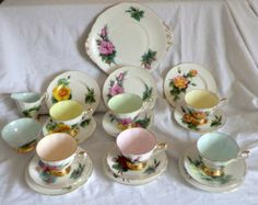 Vintage PARAGON Harlequin China Tea Set - Harry Wheatcroft World Famous Roses. Fine English Bone China, 21 Pieces