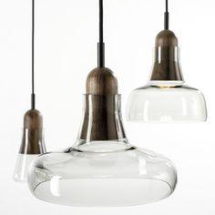 Combo Design is officieel dealer van Brokis ✓ Shadows lampen makkelijk te bestellen ✓ Gratis verzending (NL) ✓ Altijd de beste prijs ✓ Deskundig advies Ceiling Lights, Lighting, Pendant, Interior, Design, Home Decor, Light Fixture, Corning Glass, Decoration Home