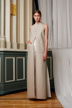 Rosie Assoulin Spring 2015 Ready-to-Wear Collection Photos - Vogue Fashion Show, Fashion Outfits, Fashion Design, 2015 Fashion Trends, New York Fashion, Ready To Wear, Vogue, Style Inspiration, Spring 2015