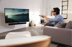 A separate remote control isn't necessary. When the TV is switched on, the MotionSoundMount turns in one flowing movement to the last selected viewing position.