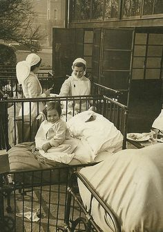 Nurses attending children at Leicester City General Hospital History Of Nursing, Medical History, Vintage Nurse, Vintage Medical, Leicester, Nurse Photos, Nursing Board, Professional Nurse, Nursing Profession