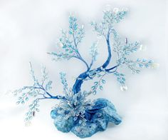 Blaue Perlen japanischer Stil Pagode Bonsai von UniversesSwirls