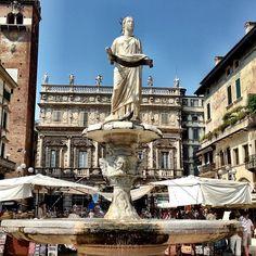 Piazza delle Erbe nel Verona, Veneto