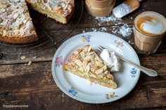 Birnenkuchen mit Mandeln: Sensationell gut! - Madame Cuisine Claudia S, Dessert, Fruit Recipes, French Toast, Bakery, Sweets, Bread, Cooking, Breakfast