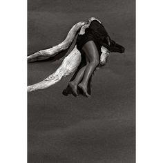 Lourdes Almeida. Fotografía tomada del libro Lo que el mar me dejó.