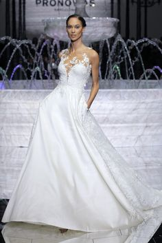 Light, feminine and effortlessly elegant, the Spring 2018 Atelier Pronovias bridal collection is a veritable dream for the modern bride.