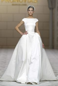love the classic shape of this atelier pronovias dress