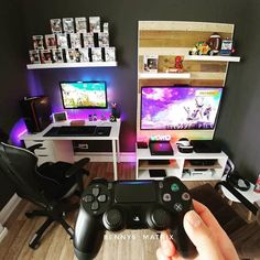 Awesome Gaming PC Setup - Best Gaming PC Setup - Rate this setup! If you are passionate about game, it's time to remodel your regular room into a video game room. Check out these amazing video game room ideas! Gaming Desk Setup, Computer Gaming Room, Best Gaming Setup, Computer Setup, Pc Setup, Gaming Rooms, Office Games, Diy Zimmer, Video Game Rooms