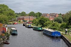 Moorings, Leeds and Liverpool Canal, Appley Bridge (geograph 4531278).jpg