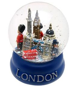 London souvenir snowglobe