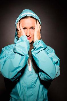 Der «Raincombi» ist ein neuer Velo-Regenschutz für urbane Radfahrer, entwickelt von der österreichisch-ukrainischen Designerin Oksana Stavrou. Leicht, kompakt und mit Alltagskleidung kombinierbar, kann man den «Raincombi» schnell anziehen, ohne die Schuhe auszuziehen. Der «Raincombi» ist Oeko-Tex zertifiziert und wird mit europäischen Materialien in der EU hergestellt.