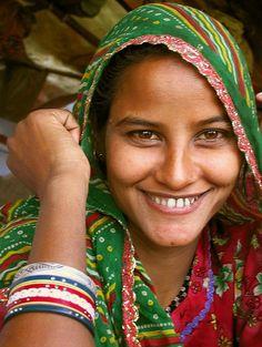 Young Woman, Uttar Pradesh, India by Gunter Kraus - Pixdaus