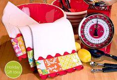 Patchwork and Jumbo Rick Rack Dish Towels Sewing Hacks, Sewing Tutorials, Sewing Crafts, Sewing Projects, Craft Projects, Sewing Ideas, Craft Ideas, Rick Rack, Dish Towels