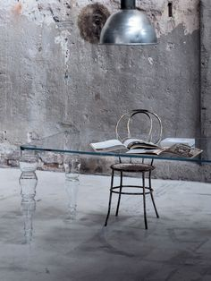 Postmodern Glass Dining Table by glas italia