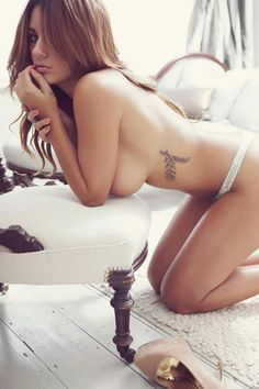 Check here out a stunning collection featuring this stunning British babe. Holly Peers is gorgeous and very hot with those beautiful big boobs and here you enjoy 38 pictures of this stunner. Holly Peers, Sexy Poses, Tattoo Quotes, Tattoo Art, Hot Girls, Boobs, Beautiful Women, Hello Beautiful, Beautiful Things