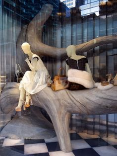 Creative Store Display Window Visual Merchandiser, styling and still life designs Retail Windows, Store Windows, Winter Window Display, Design Presentation, Store Window Displays, Merchandising Displays, Fashion Merchandising, Window Dressings, Winter House