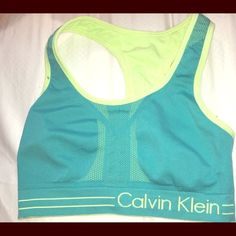 Reversible Calvin Klein Sports Bra Size small but can fit a medium! The color is more vibrant live it's real and lime green Calvin Klein Tops