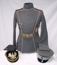 World War I German Pilot's Uniform and helmets. Re-pinned by www.historysimulation.com