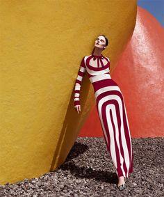 Vasilisa Pavlova - Trazo Lineal - Harper's Bazaar Latin America April 2013 Gregory Allen www.plasticimage.com via harpersbazaar.mx  for #composition #color