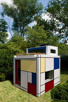 Mondrian style playhouse for modern fans. Wow, love this!