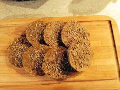 Rugbrødsboller uden gluten, opskrift fra Mette Blomsterberg
