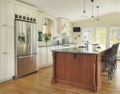 Sunny Traditional Kitchen by Lisa Zompa on HomePortfolio