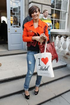 Frankie from The Saturdays and her Motel tote!