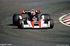 s pas nos amis japonais avec une présence obligatoire dans le GP du Japon sur le circuit du Mont Fuji en 1977