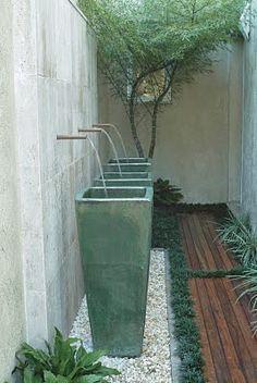 Side of House modern water feature Modern Water Feature, Outdoor Water Features, Water Features In The Garden, Tropical Landscaping, Modern Landscaping, Privacy Landscaping, Landscape Plans, Landscape Design, Small Gardens