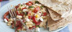 ruehrei-mit-tomaten-feta-und-tortilla