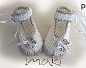 Baby shoe crochet pattern Forget Me Not Perfect by MakiCrochet