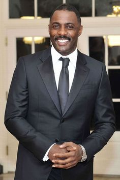 Prometheus star Idris Elba is smoking hot