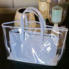 Estée Lauder 2-in-1 Tote Bag Estée Lauder 2-in-1 White Leather & Clear Vinyl Tote Bag. EUC!✨Use w or w/o white insert! Estee Lauder Bags Totes