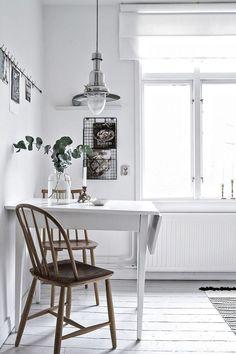 Fresh and white kitchen home кухня ikea, маленькая кухня och Muebles Home, Scandinavian Interior Design, Interior Modern, Kitchen Dinning, Dining Room Design, Design Kitchen, Kitchen Ideas, Design Desk, Kitchen Decor