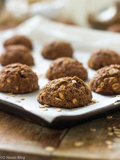 Cookies caseiros são uma delícia, e essa versão com menos açúcar e manteiga vai te conquistar também. Aproveite para fazer junto com o seu filho e se divertirirem muito juntos. Cookies caseiros de banana e aveia -