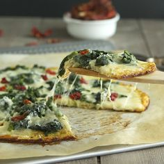 Cauliflower Crust Spinach White Pizza - Low carb, gluten-free, packed with veggies and so good.