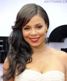And the winners are . cropped, curled, bold and bright. You must see these show-stopping styles Celebrity Hairstyles, Cute Hairstyles, Wedding Hairstyles, Sanaa Lathan, Side Swept Curls, Curls With Straightener, Bombshell Beauty, My Black Is Beautiful, Beautiful Women