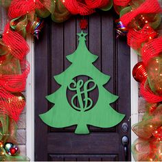 aMonogramArtUnlimited Christmas Tree Decorative Holiday Sign Color: Natural, Letter: C