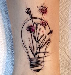 """Gefällt 456 Mal, 2 Kommentare - Tattoo Artist SOPOT- Poland (@kattkottattoo) auf Instagram: """"This one! #bulb #bulbtattoo #tattooidea #tattoo #tattooed #ink #inked #sketch #sketchystyle…"""""""
