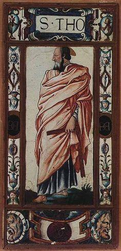 Ces deux plaques proviendraient du couvent des Feuillantines à Paris. Elles sont la répétition des plaques des apôtres du musée des Beaux-Arts de Chartres, signées et datées de 1547, avec, comme différences, la présence de portraits pour les têtes, et le chiffre d'Henri II (1547 - 1559) sur les plaques d'encadrement.   Attribué à Léonard LIMOSIN   Plaque : Saint Thomas, sous les traits de François Ier  Vers 1550  Limoges Émail peint sur cuivre H. : 91,80 cm. ; L. : 43,40 cm.
